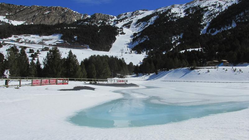 El forn llac lago el fornet roca-22