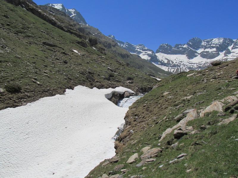 cirque cabane estaube lac barrage gloriettes troumouse gavarnie hautes pyrenees-06