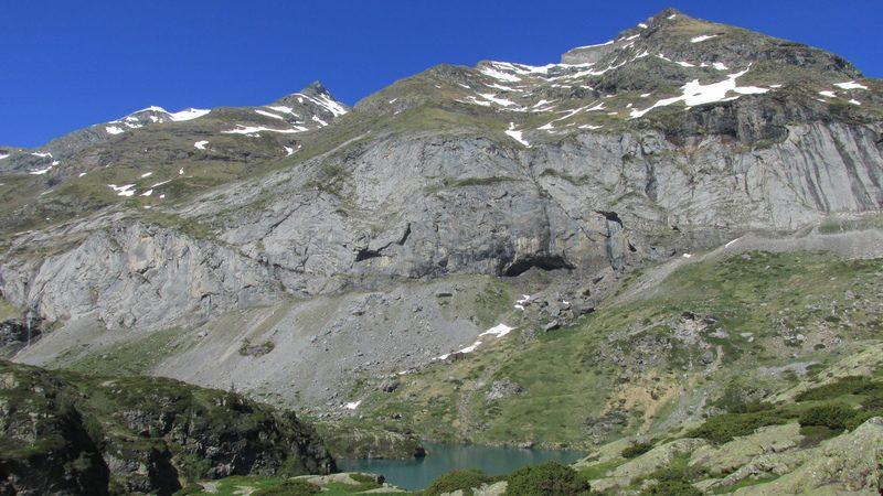 cirque cabane estaube lac barrage gloriettes troumouse gavarnie hautes pyrenees-17