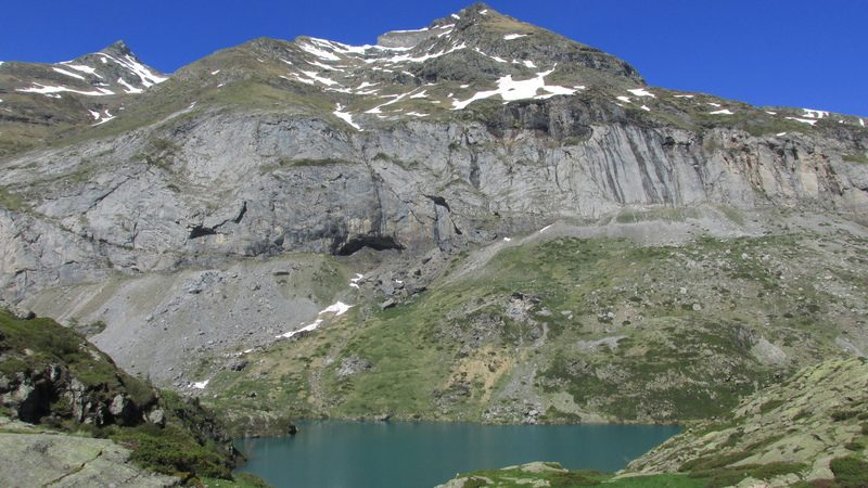 cirque cabane estaube lac barrage gloriettes troumouse gavarnie hautes pyrenees-18