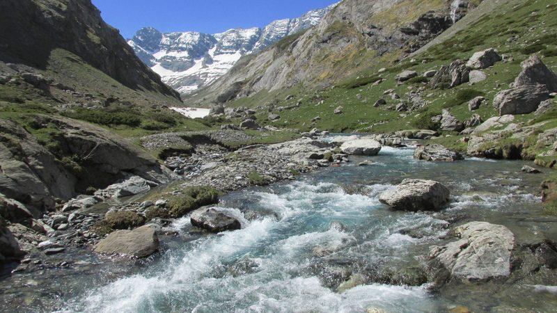 cirque cabane estaube lac barrage gloriettes troumouse gavarnie hautes pyrenees-21