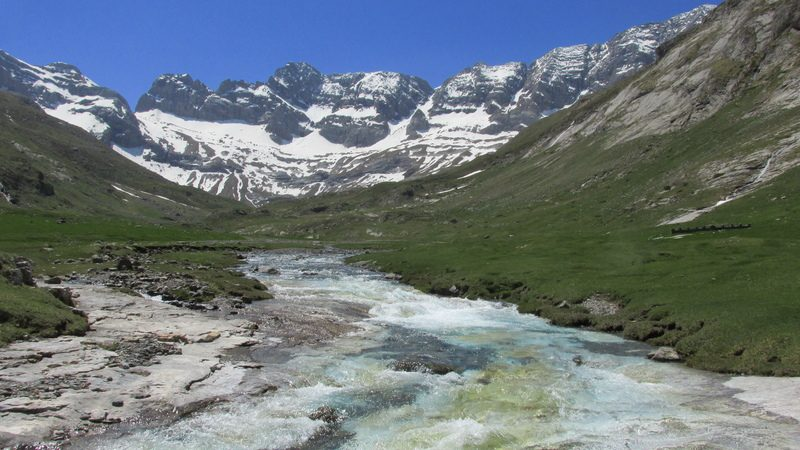 cirque cabane estaube lac barrage gloriettes troumouse gavarnie hautes pyrenees-30