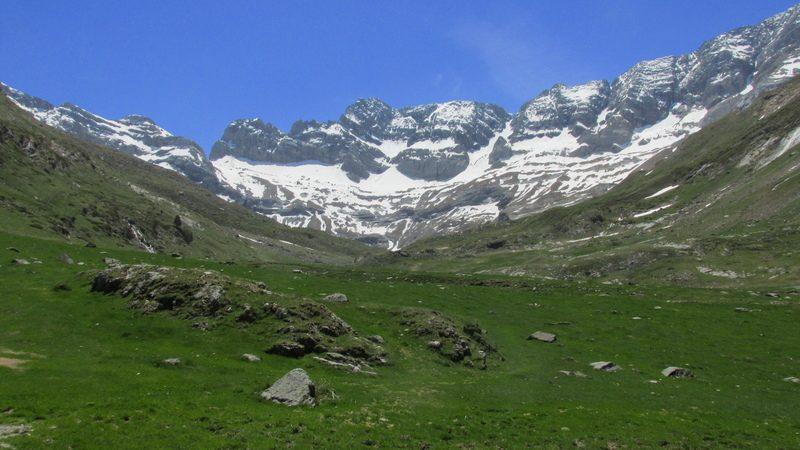 cirque cabane estaube lac barrage gloriettes troumouse gavarnie hautes pyrenees-32