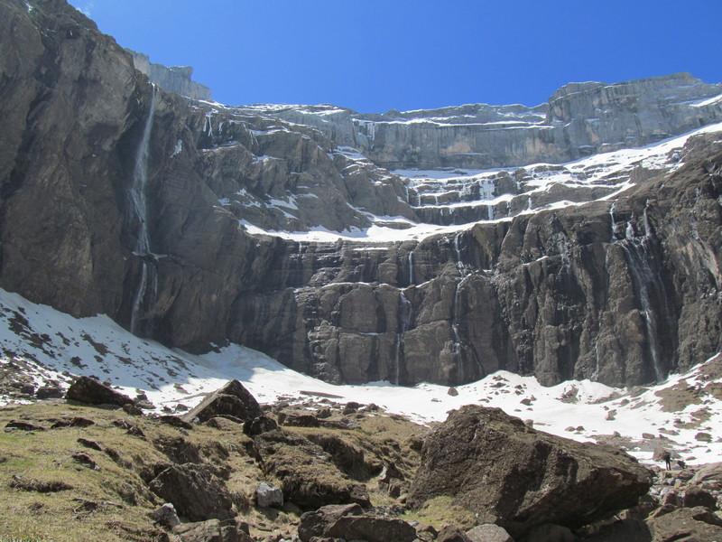 cirque cascade gavarnie grand site classé hautes pyrénées-06