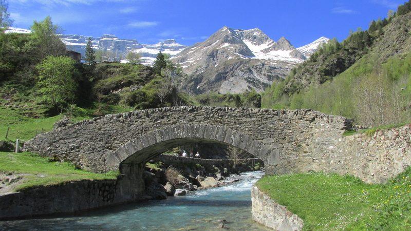 cirque cascade gavarnie grand site classé hautes pyrénées-15