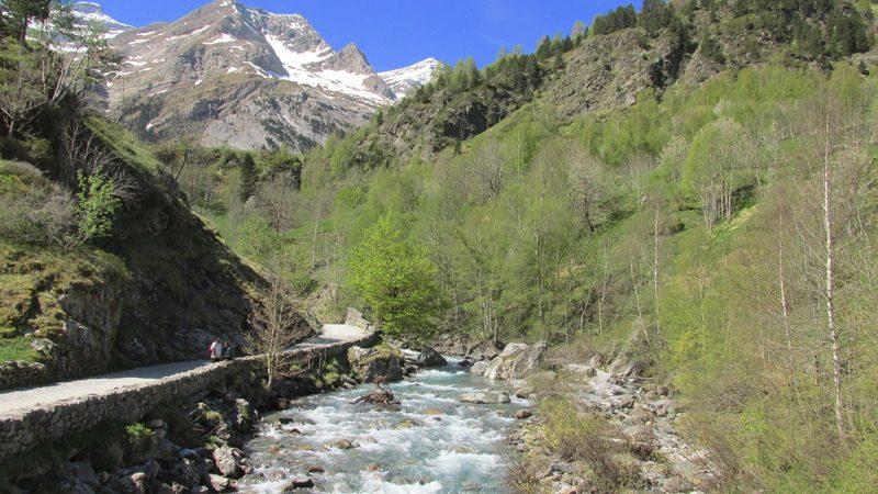 cirque cascade gavarnie grand site classé hautes pyrénées-16