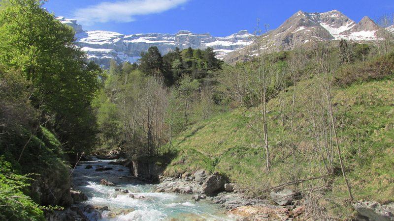 cirque cascade gavarnie grand site classé hautes pyrénées-17