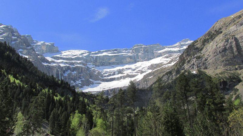 cirque cascade gavarnie grand site classé hautes pyrénées-21