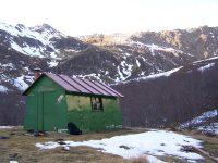 La Cabane d'Embanels et Le Refuge Rouge