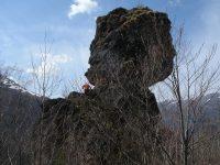 Rocher de Carlong depuis le village de La freyte