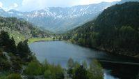 L'étang de Font vive par le Lac barrage du Passet